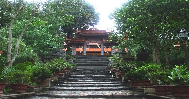 chua-lan-yen-tu